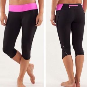 LULULEMON Run Fast Free CROP leg RUFFLE BLACK PINK
